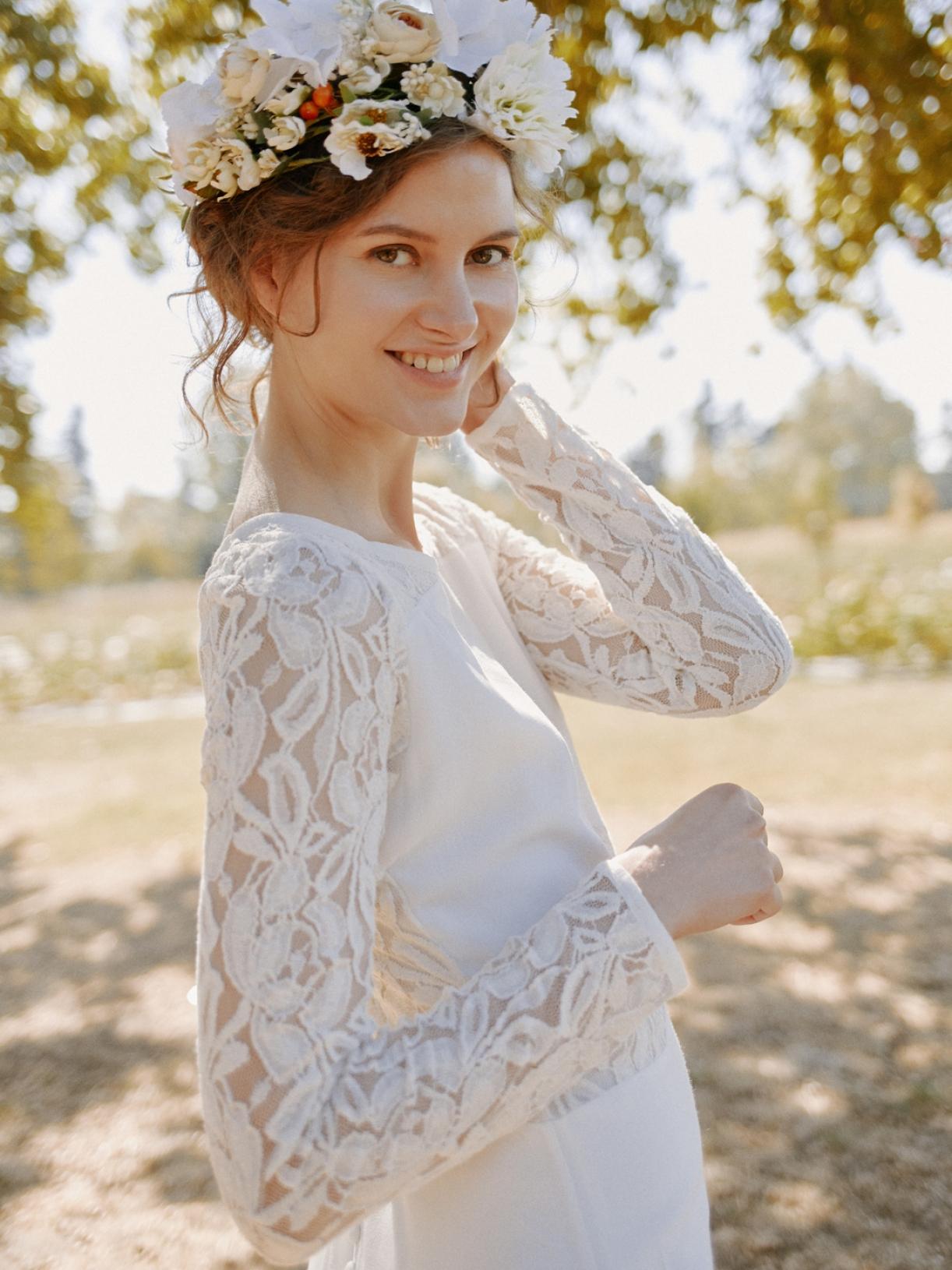 Iris - Robe de mariée bohème a découpes de dentelle écoresponsable - Myphilosophy