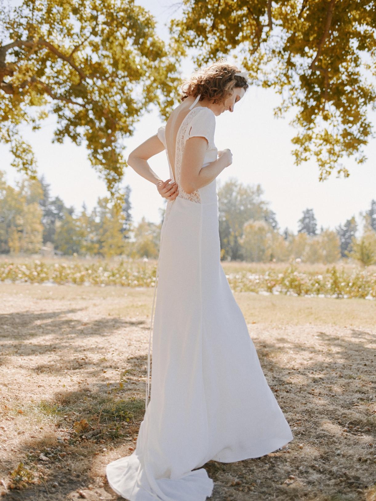 Robe de mariée dos-nu en dentelle écoresponsable - Myphilosophy Paris