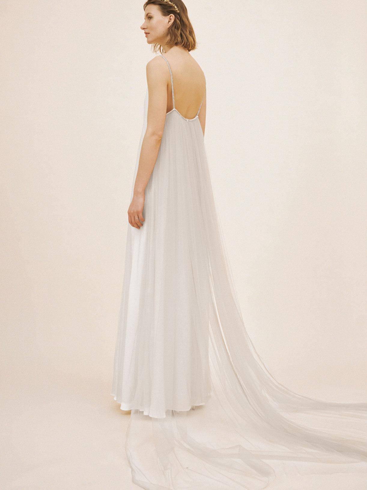 Robe de mariée bohème a traine écoresponsable - Creatrice de robe de mariée éthique et bio a Paris - Myphilosophy