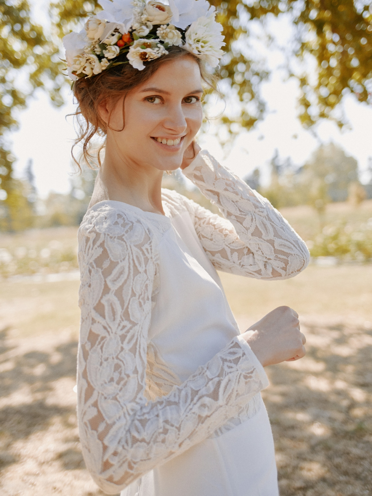 IRIS - Robe de mariée longue à dos de dentelle - Robe de mariée créateur et sur-mesure pas cher a Paris - Myphilosophy