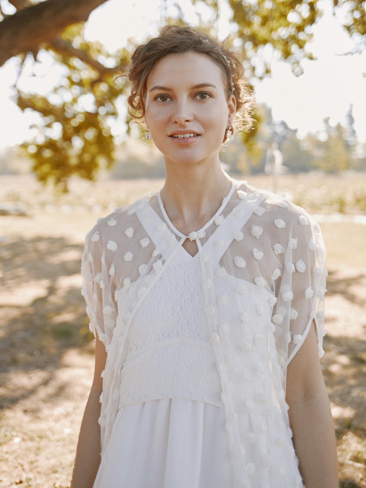BELLA - Cape de mariée en plumetis de tulle