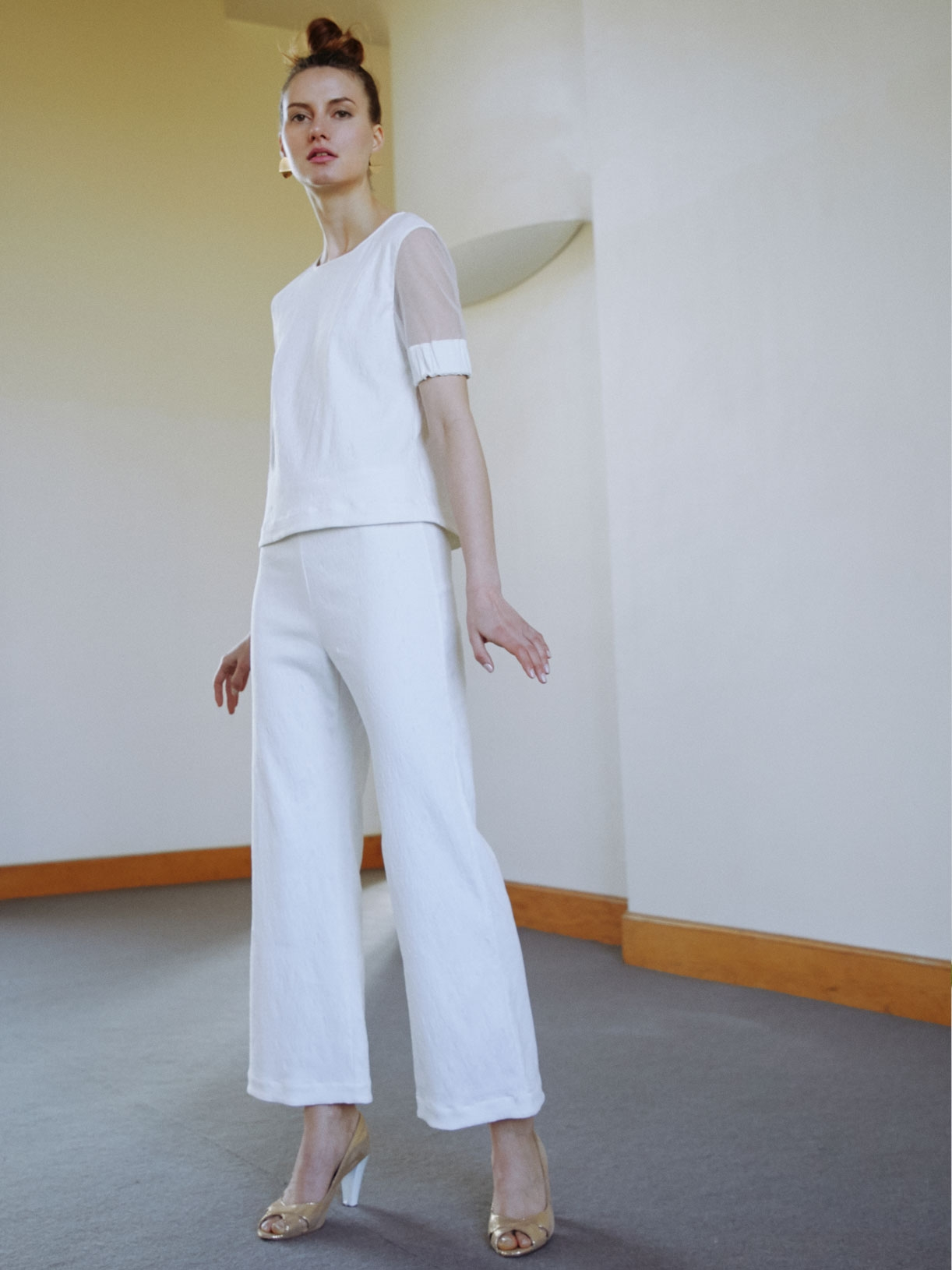 TAM - Pantalon tailleur de mariée blanc flare et large - Créatrice de robes de mariée sur-mesure éthique et bio sur Paris - Myphilosophy