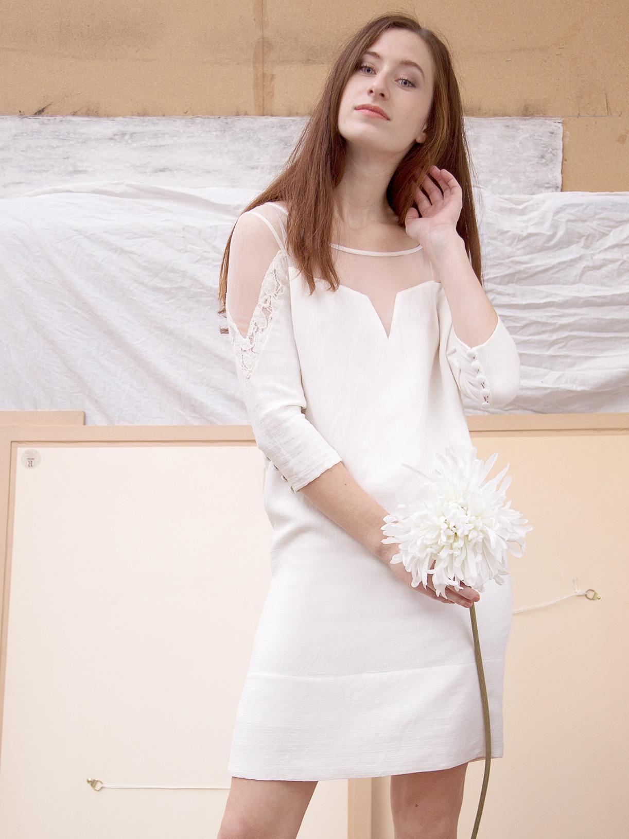 Elsa - Robe pour mariage civil courte en lin et dentelle transparente ethique et bio - Myphilosophy