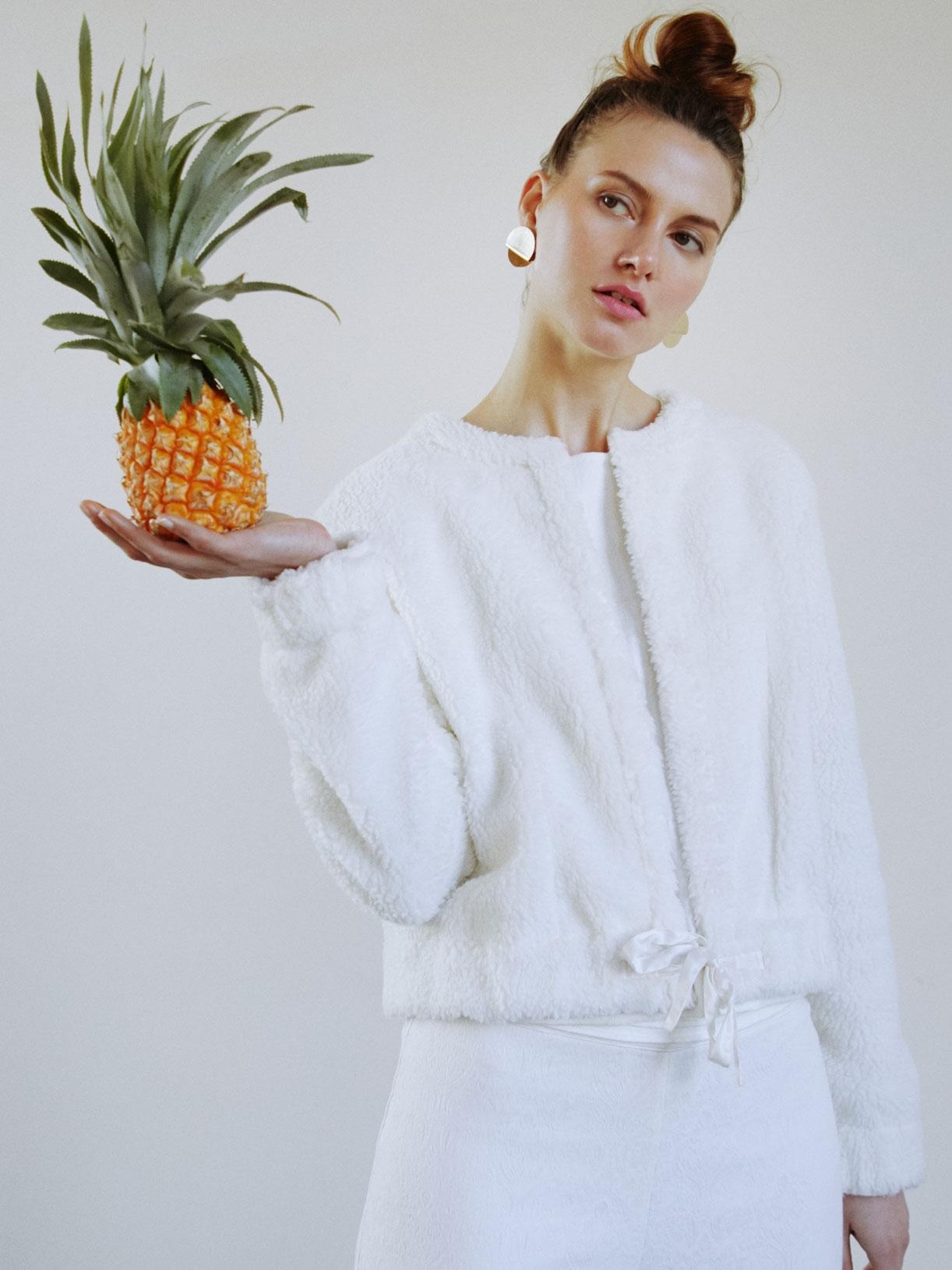 ROSA - Blouson veste de mariée en fourrure pour mariage en automne-hiver - Créatrice de robes de mariée sur-mesure éthique et bio sur Paris - Myphilosophy